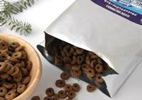 酸化や光、水分などからフードを守るバリアパッケージを採用。